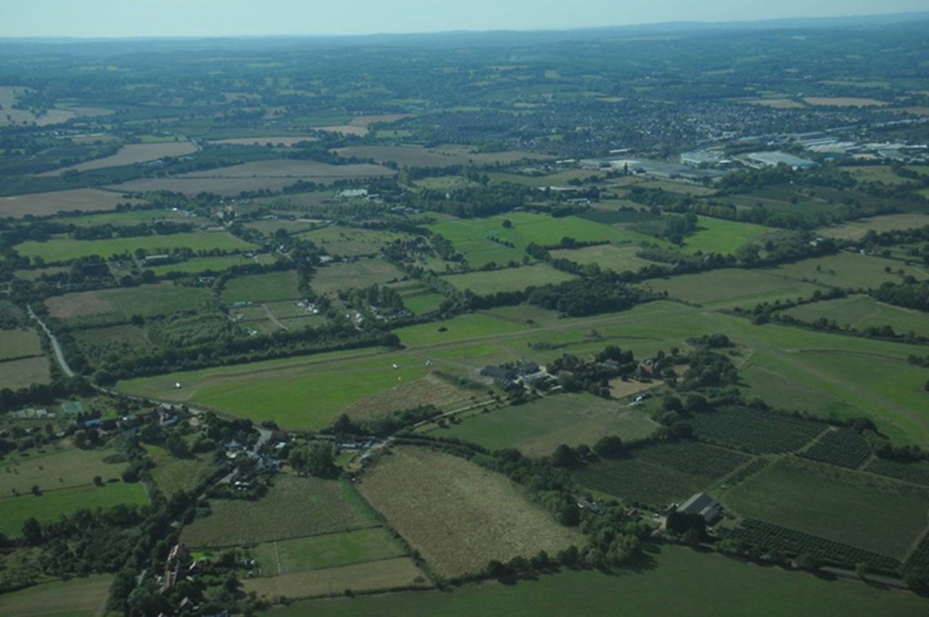 Farm Strips Fly Out Event - Departing Laddingford. Bleedin' obvious where it is once you know where it is!