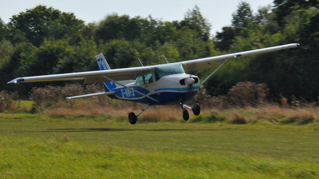 Farm Strips Fly Out Event - Fox-Sierra tackles the frisky conditions on arrival at Laddingford